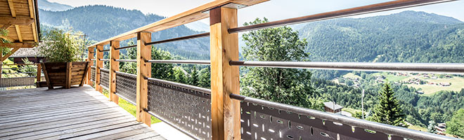 Stainless steel protective elements for a superb panoramic view